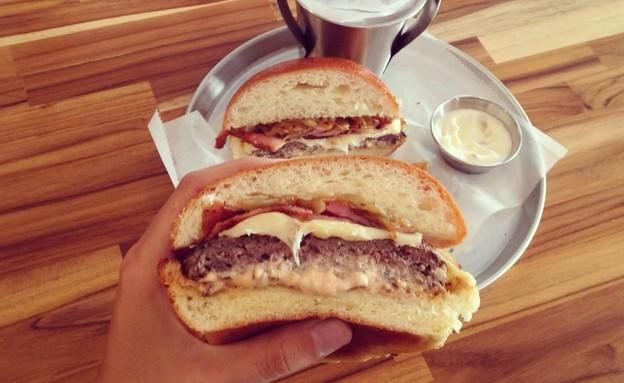 26 המבורגר גורמה(יחסי ציבור)