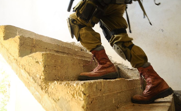 """מתנדבים קיללו חייל הומו (אילוסטרציה) (צילום: דובר צה""""ל)"""