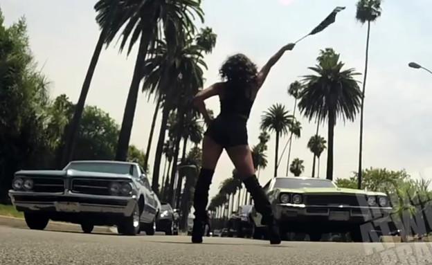 מתיחת מרוץ רחוב (צילום: יוטיוב )