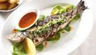דג לברק שלם בגריל, דגים (צילום: אפיק גבאי ,אוכל טוב)