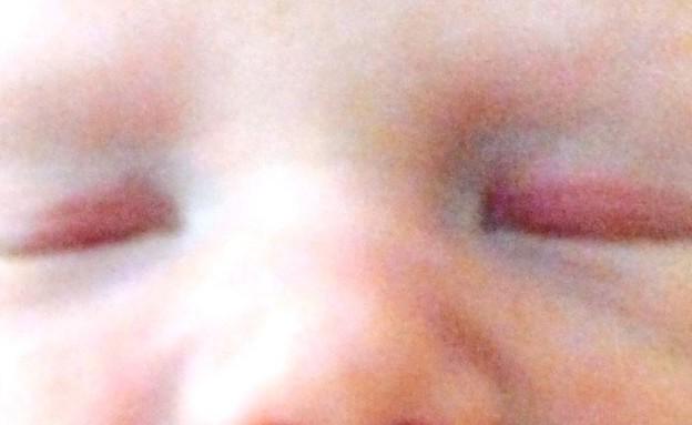 תינוקת עם שיניים (צילום: Wales Online)