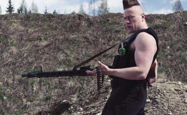 פינים רוצים שארנולד שוורצנגר יבוא לביקור (צילום: יוטיוב )