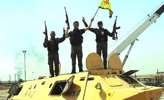 טנק מאולתר של הכורדים (צילום: דיילי מייל)