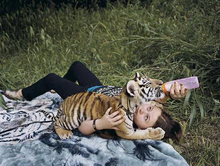 אמיליה שוורץ (צילום: Robin Schwartz)