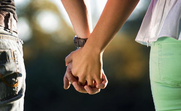 זוג מחזיק ידיים (צילום: אימג'בנק / Thinkstock)