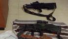 """נתפסו שני כלי נשק שנגנבו מצה""""ל (צילום: חטיבת דובר המשטרה)"""