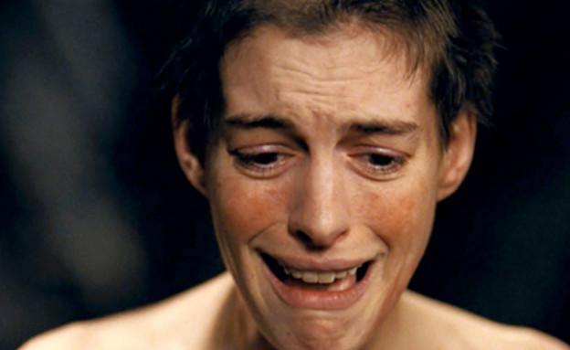 אן התאוויי עלובי החיים (צילום: צילום מסך מתוך youtube)