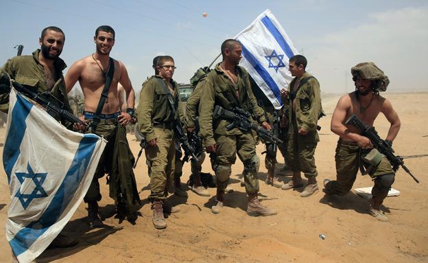חיילים יוצאים מעזה (צילום: חדשות 2)