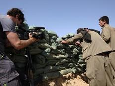 איתי אנגל בחזית מול דאעש (צילום: אדי גרלד ,עובדה)