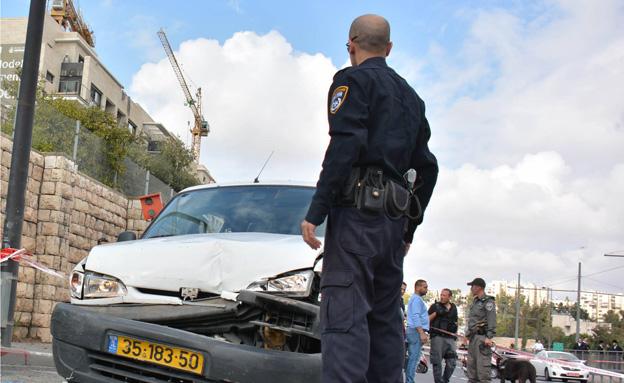 זירת פיגוע הדריסה בירושלים, אתמול (צילום: משטרה)