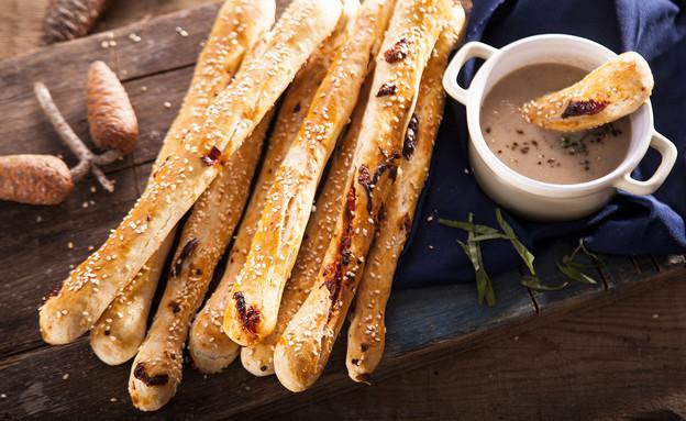 מקלות לחם למרק (צילום: אפיק גבאי ,אוכל טוב)