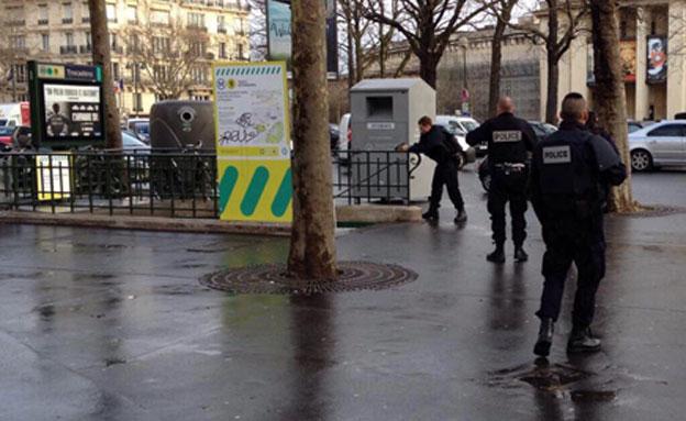 כוחות משטרה בצרפת, השבוע (צילום: טוויטר)