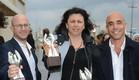 """אנשי """"הפרלמנט"""" מחוץ לטקס פרסי הטלוויזיה 2015 (צילום: אביב חופי)"""