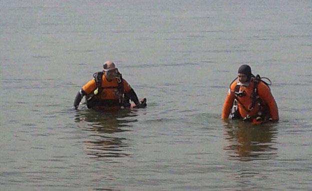 בן 46 התהפך עם סירה בכינרת ונעדר (צילום: חטיבת דובר המשטרה)