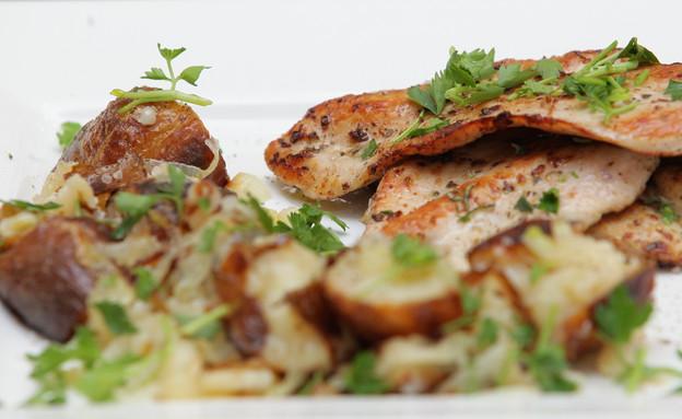 חזה עוף צרוב במחבת פסים (צילום: יהודה לוי ,אוכל טוב)