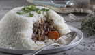 תבשיל בקר בפטריות ויין אדום בכיפת אורז (צילום: אנטולי מיכאלו ,אוכל טוב)