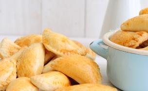סמבוסק גבינות (צילום: שרית נובק ,אוכל טוב)