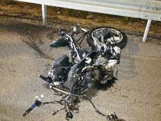 """רוכב האופנוע נהרג במקום (צילום: דוברות מד""""א)"""