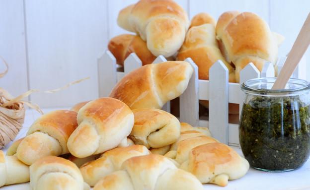 לחמניות זיתים - מוכנות (צילום: שרית נובק ,אוכל טוב)