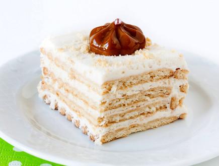 עוגת ביסקוויטים קרמל וגבינה