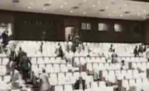 פאניקה בפרלמנט הנפאלי