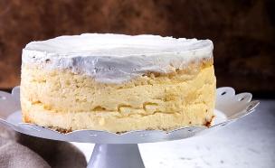 עוגת גבינה ולמון גראס (צילום: שרית גופן ,אוכל טוב)