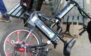 צפו: ביקור בחנויות האופניים (צילום: באדיבות המשפחה)