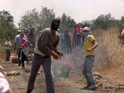 המלחמה על הכביש לכפר הפלסטיני