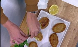 """עמוס בלאיש - לביבות תפו""""א ממולאות בבשר וביצים קשות (צילום: מתוך מאסטר שף 5 ,שידורי קשת)"""