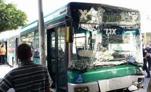 תאונת אוטובוסים בבת ים (צילום: חדשות 2)