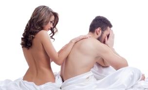 עירומים במיטה (צילום: אימג'בנק / Thinkstock)