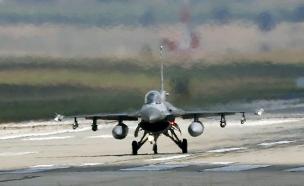 מטוס קרב טורקי, ארכיון (צילום: רויטרס)