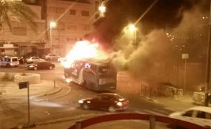 """אוטובוס שנפגע מבקת""""ב בי-ם, הלילה"""