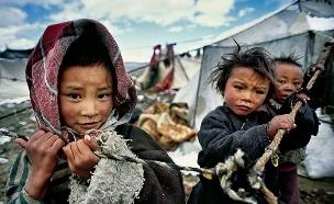 ילדים בטיבט (צילום: התמונות באדיבות Matjaz Krivic)
