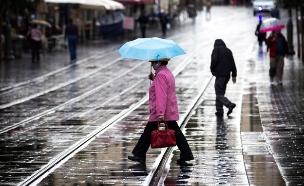 הגשם יימשך עד הצהריים (צילום: flash90, מרים אלסטר)