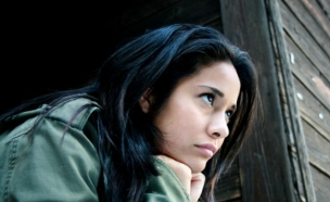 אישה מחזיקה את הראש (צילום: istockphoto ,istockphoto)