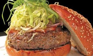 """מסוכן לבריאות? המבורגר (צילום: יח""""צ)"""
