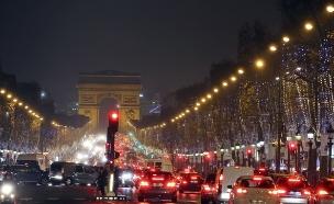 חג המולד בפריז (צילום: ap ,ap)