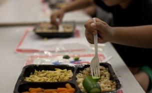 ארוחת צהריים בבית ספר (צילום: מוטי מילרוד)