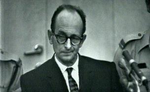 אדולף אייכמן במהלך משפטו (תמונת AVI: mako  ,חדשות1 ערוץ 2)