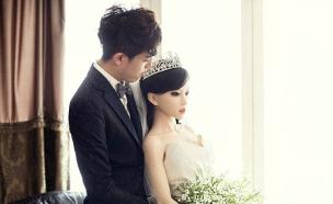 התחתן עם בובת מין (צילום:  CCTV)