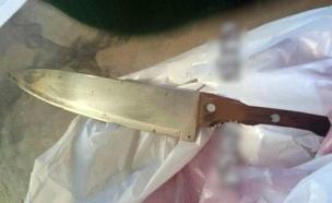 """הסכין שהחזיק המחבל (צילום: הצלה יו""""ש)"""