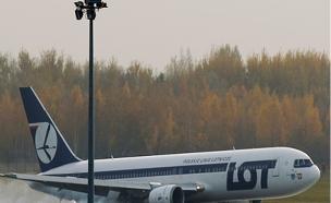 """הנוסע המאיים היה שיכור. מטוס """"לוט"""" (צילום: רויטרס)"""