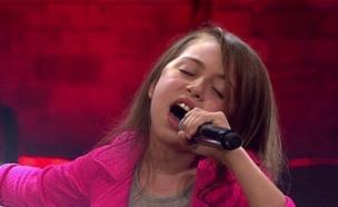 """לורן יודיצקי: """"Girl on Fire"""" (צילום: מתוך בית ספר למוסיקה עונה 3 ,שידורי קשת)"""