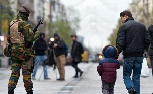 כוחות ביטחון חמושים בבריסל, בלגיה (צילום: אימג'בנק / Gettyimages ,Getty images)