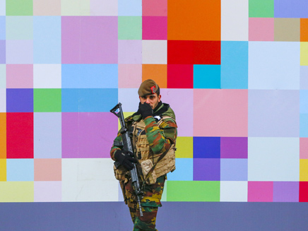חייל בבריסל (צילום: רויטרס)