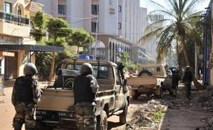 חיילים באזור הפיגוע, בשבוע שעבר (צילום: sky news)