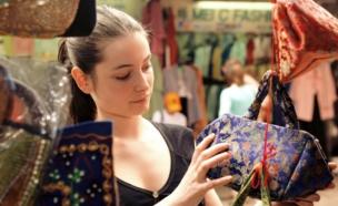 נשים עושות שופינג בסין - טיולים נשיים (צילום: אימג'בנק / Thinkstock)
