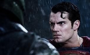 באטמן נגד סופרמן(צילום מסך)