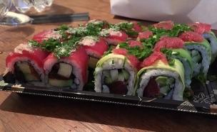 סושי רום רול טונה (צילום: ג'רמי יפה ,אוכל טוב)